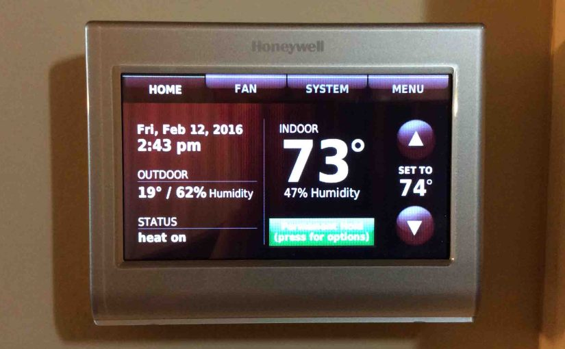 Picture of the Honeywell WiFi Smart Thermostat RTH9580WF, home screen view.