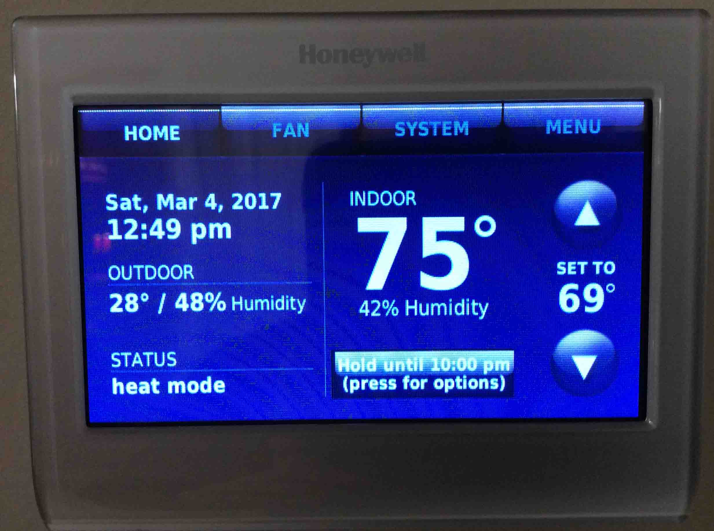 Honeywell Thermostat Not Reaching Set Temperature Troubleshooting Mercury Wiring Oil Furnace Picture Of The Rth9580wf Wireless Displaying