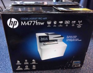 Picture of the HP M477 FNW Lasetjet, original box, side view 2.
