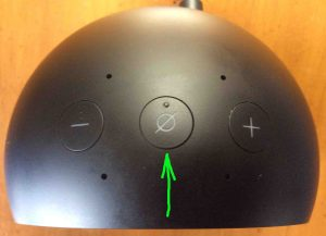 Top view picture of the speaker, showing the -Mic Off On Mute- button highlighted.