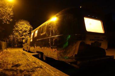 Airstream Herbst Anreise Fotoshooting Nacht1