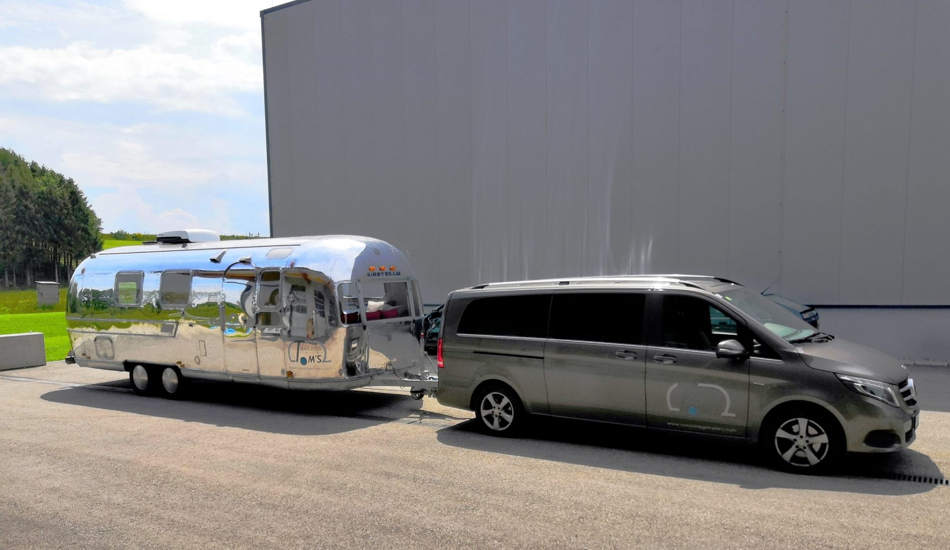 Airstream Mobile Lounge Mieten Vermietung Zugfahrzeug