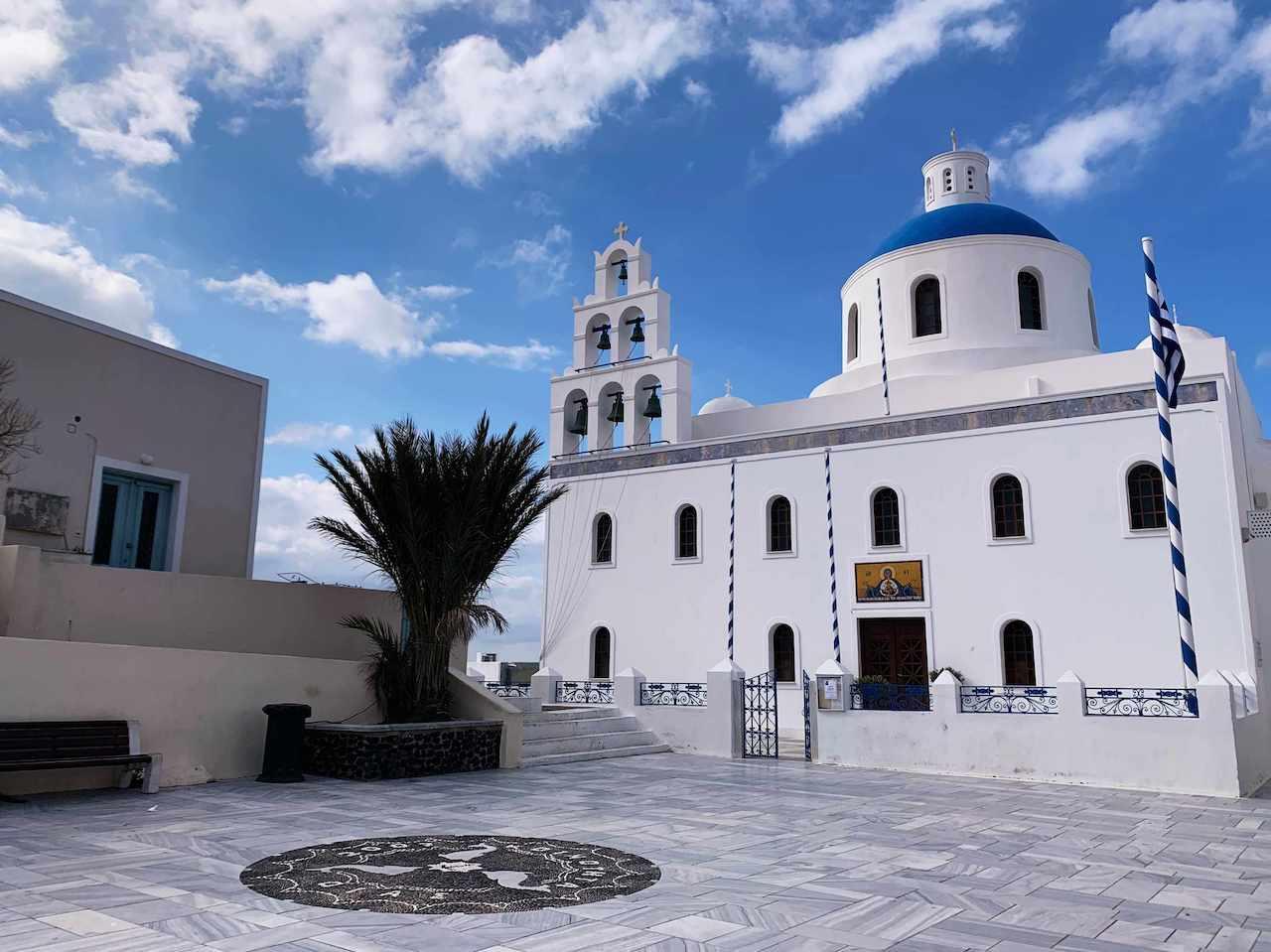 サントリーニ島のイアの教会