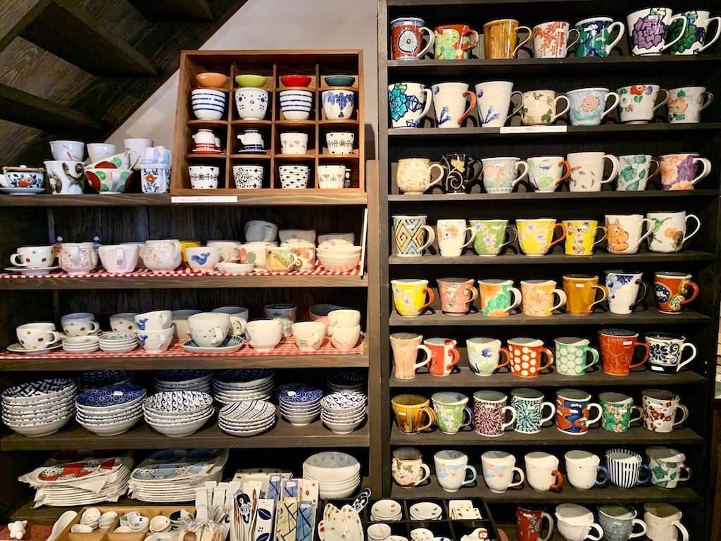 有田町の有田焼のマグカップや食器