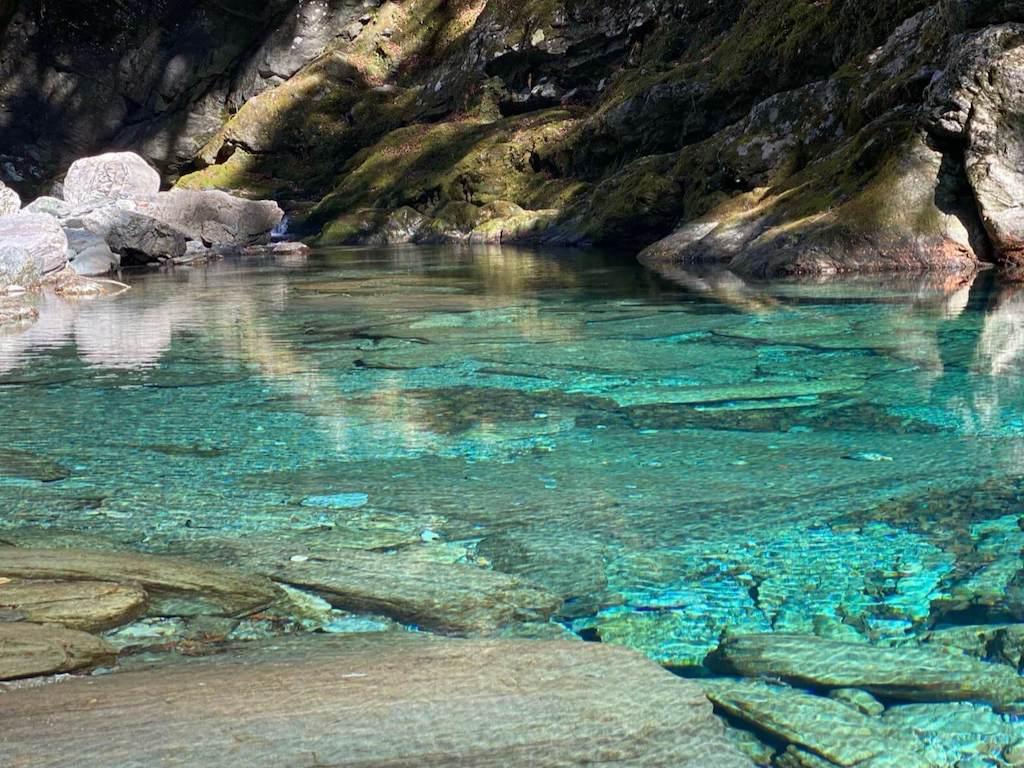 水晶淵の仁淀ブルー