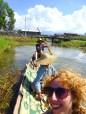 Zelf zo'n bootje peddelen is een stuk lastiger dan het lijkt. Geef mij maar een Kayak
