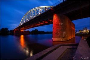 Geen brug te ver, Arnhem als tussenstation.