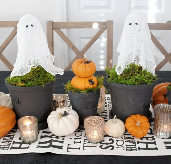 Halloween Tablescape with DIY Ghost Topiaries