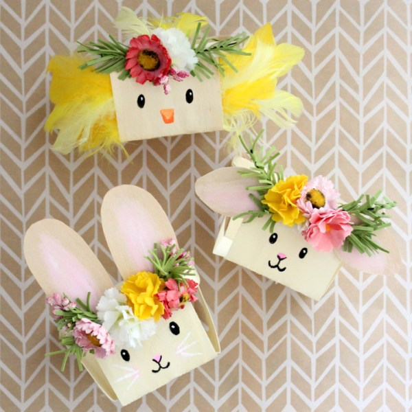 DIY Easter Basket Animals: Simple Chipwood Baskets from Oriental Trading get an Easter makeover! Get the tutorial via Tonality Designs.