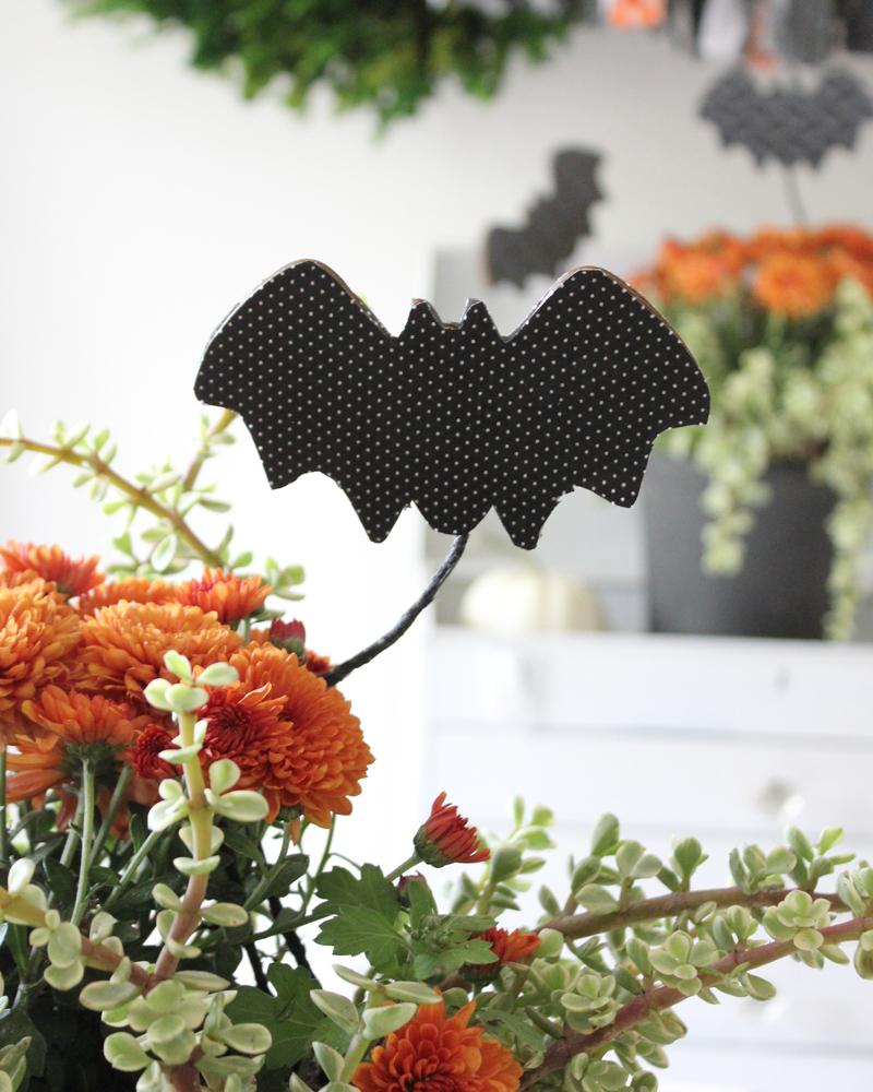 DIY Flying Decoupage Bats: Halloween Decor, No Carve Pumpkin Ideas