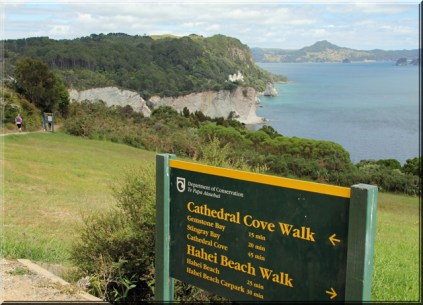cathedral_cove_1