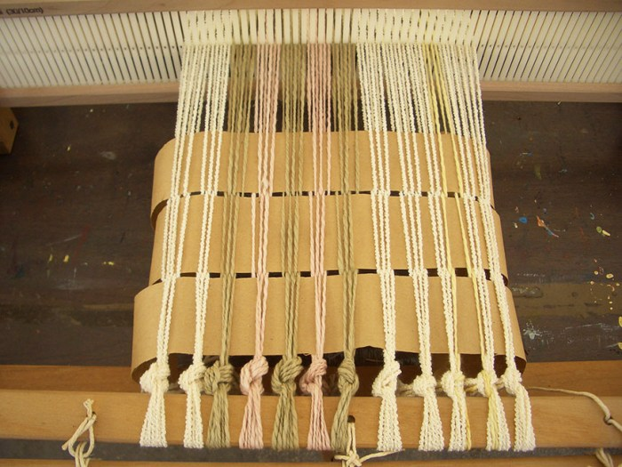 Weaving on Rigid Heddle Loom