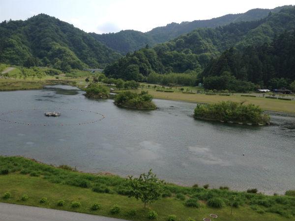 宮ヶ瀬湖畔園地の親水池