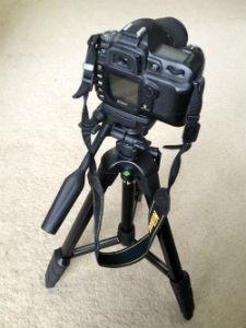 SLIK三脚F740に一眼レフカメラを設置