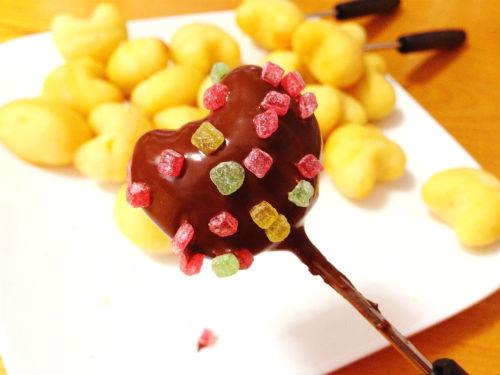 デコったチョコレートフォンデュ