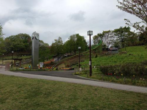 荻野運動公園 ロング滑り台全景