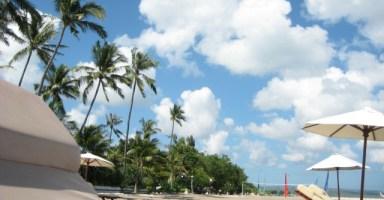 海外のビーチでバカンスを楽しみます