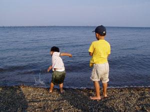 sons_in_biwako.jpg