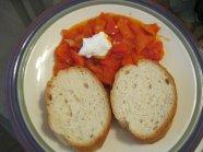Lesco กับขนมปังและ Sour Cream