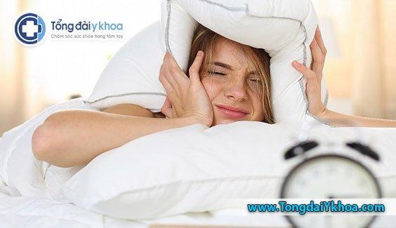 Chất lượng ngủ kém và thời gian ngủ ngắn có thể đóng một phần trong sự phát triển của mỡ bụng.
