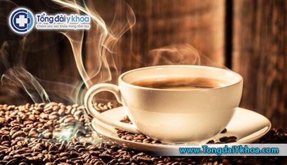 Những lưu ý và rủi ro của việc uống cà phê