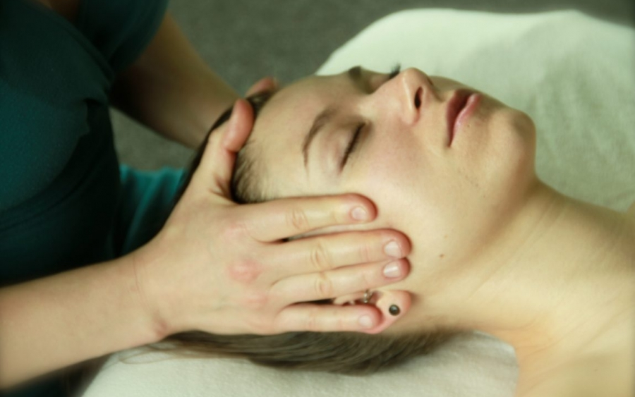Denver Massage therapy face massage relaxation