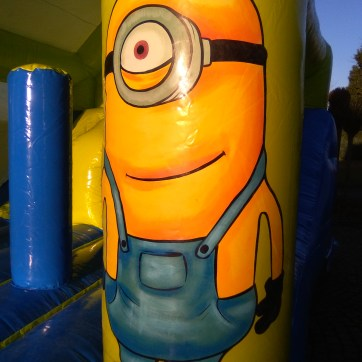 Minion Maxi Inside Slide 16