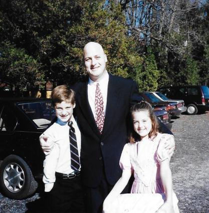 w kids in suit