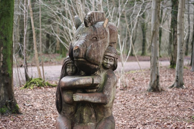 Sculpture trail pig