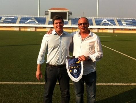 Escuela de Fútbol de Angola. José Luís Garrido (Director Ejecutivo) y Toni Cortés (Director de Fútbol)
