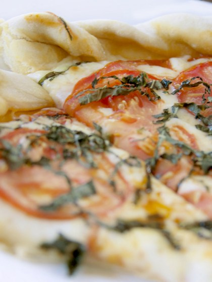 New York thin pizza crust dough and tomato sauce recipe