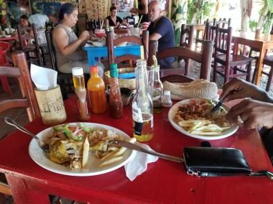 At Los Almandros
