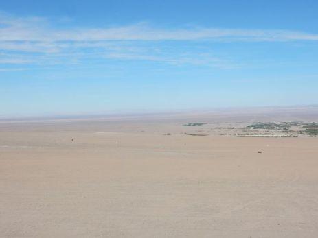 Die Oase wirkt in der Atacama zerbrechlich