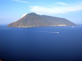 Lipari - Winzige Insel vor Sizilien, nur 30 km Straßen, die sind aber außergewöhnlich