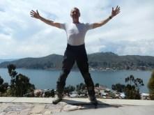 Ego (;-)) mit Blick auf die Überfahrt am Titicacasee