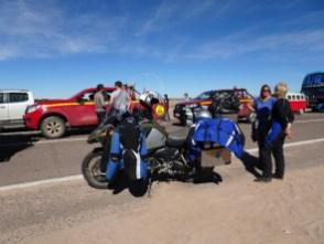 Tagelanges Warten am Fuss des Paso de Jama - der Pass bleibt fast zwei Wochen gesperrt ...