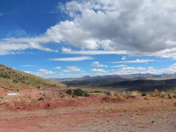 Bei Lampa - Über die Hochebene von Cusco nach Arequipa