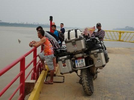 Die Brasilianer sind äußerst gesprächig, man kann sich ihrer Offenheit nicht entziehen. Unzählige Fotos, setzen sich auf's Bike, freuen sich. Schöne Erlebnisse.