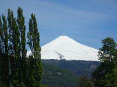 Der Vulkan Villarico ist aktiv - alle 30 Minuten eine malerische Rauchsäule