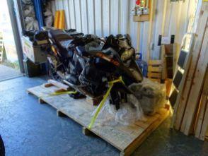 Die BMW nach dem Flug von Bogota nach London - kleinstmöglich verpackt