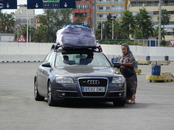 Afrikanisches Flair schon im Hafen von Algeciras