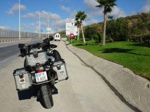 Beim Hafen von Tanger Med