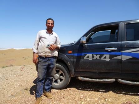 Kavir Nationalpark, im Hintergrund der Namak Salt Lake. Mein iranischer Freund verköstigte mich, führte mich in der Wüste herum und lud mich zu sich nach Hause ein!
