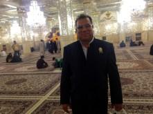 Mit meinem Guide Mohamed im Schrein von Iman Reza in Maschhad
