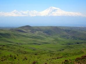 Blick auf den Ararat auf dem Weg nach Garni