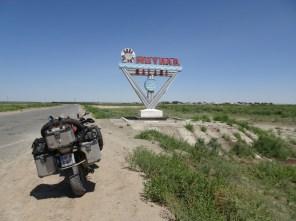 Ortseinfahrt nach Muynak am Aralsee