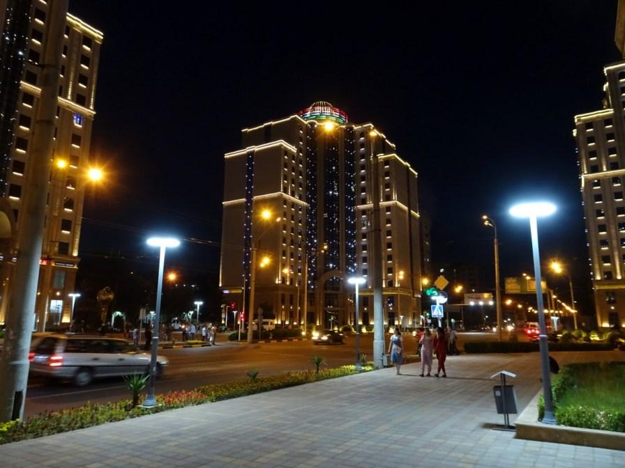 Dushabe bei Nacht