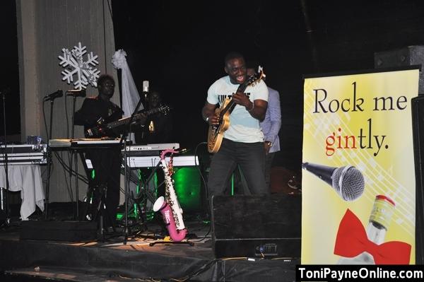 Nigerias no1 Guitarist Kunle Ayo