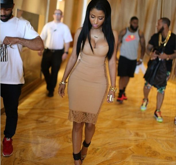 Nicki Minaj and her Boobs Looking Mighty fine in new Photo