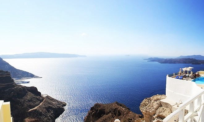 Santorini Greece Travel Guide – Hotels, Airport, Things to Do and more